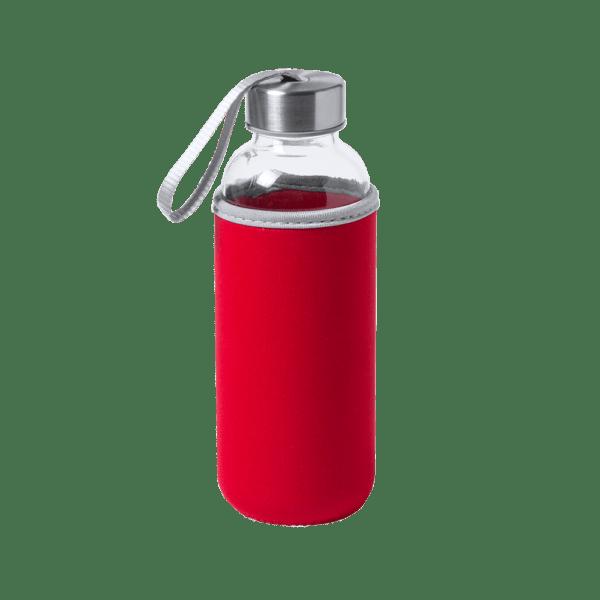 botella de cristal con funda roja
